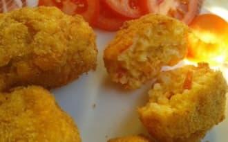 Petites croquettes de riz à la tomate et au safran
