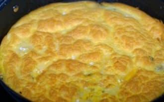 Omelette au camembert et aux champignons