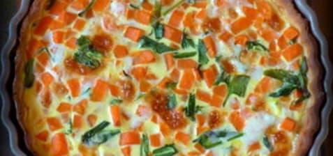 Tarte aux carottes, ail des ours et tomme fraîche de l'Aubrac