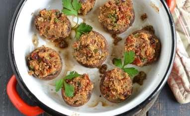 Champignons farcis quinoa, tomates séchées et olives noires