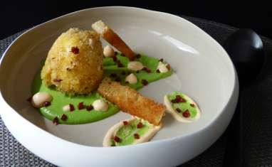 Oeuf croustillant, crème de petits pois et chorizo
