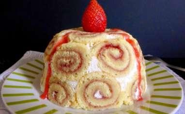 Charlotte aux fraises au biscuit roulé