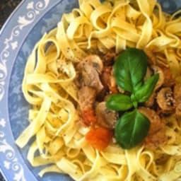 Noix de veau sauce tomatée et champignons