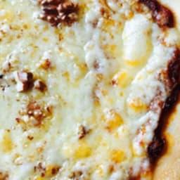 Pizza au Cantal et aux Noix