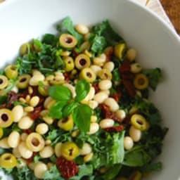 Salade de haricots coco et chou kale à l'italienne