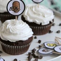 Cupcake chocolat et glaçage crème de coco