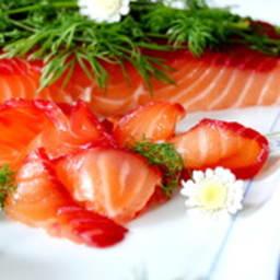 Saumon gravlax à la betterave et au raifort