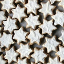 Étoiles à la cannelle