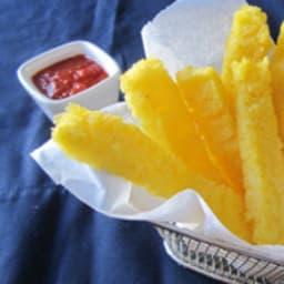 Frites de polenta et salsa de poivrons