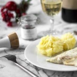 Daurade au vin blanc et baies de cannelier