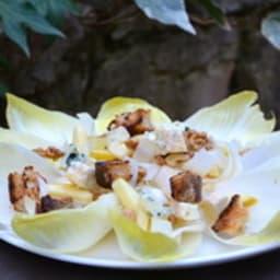 Salade d'endives aux noix et au bleu
