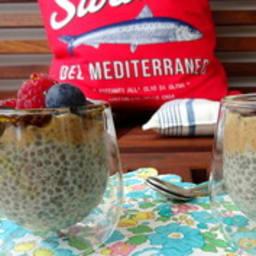 Dessert aux graines de chia et fruits rouges
