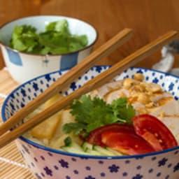 Bun aux pousses de bambou et au poulet