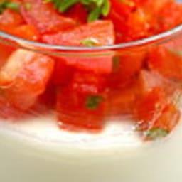 Panna cotta au chèvre et tartare de tomate au basilic