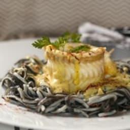 Roulés de sole à la crème safranée en nids de spaghettis