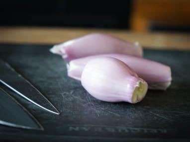 Ciseler une échalote ou un oignon