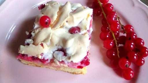 Gâteau aux groseilles et à la meringue