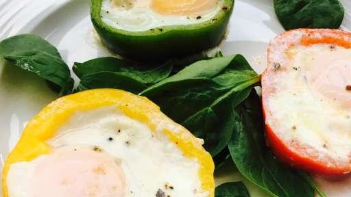 Mes œufs multicolores aux poivrons
