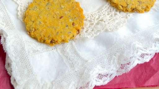 Crackers à la polenta, pois-chiches et graines