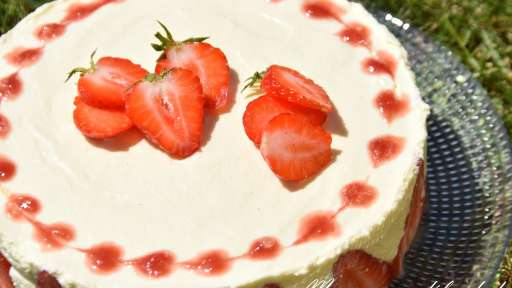 Tiramisu aux fraises - Maman...ça déborde