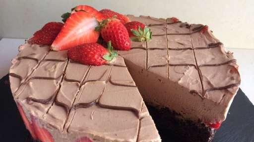 Le gâteau Brésilien Despacito au chocolat et fraises