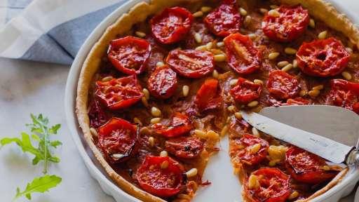 Tarte fine à l'oignon et à la tomate