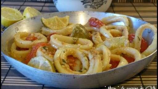 Anneaux d'Encornets Basilic - Tomates et citron vert
