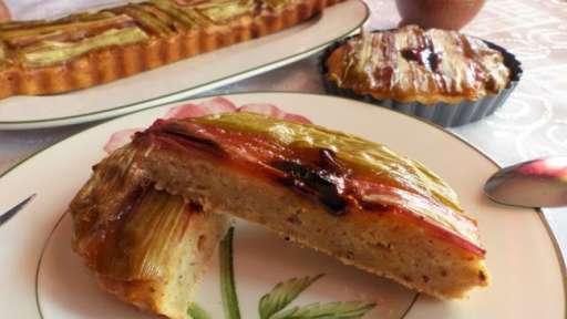 Gâteau à la ricotta et à la rhubarbe