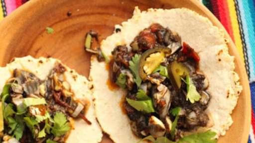 Tacos au charbon du maïs