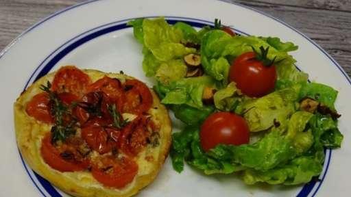Tartelettes sablée aux tomates cerises et pavé du Larzac