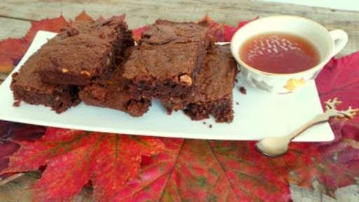 Brownies au chocolat, potiron, noix et noisettes