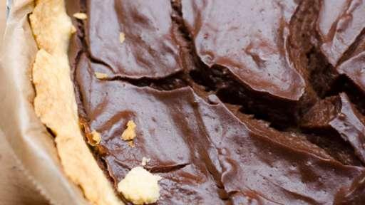 Flan au chocolat sur pâte sablée à l'amande