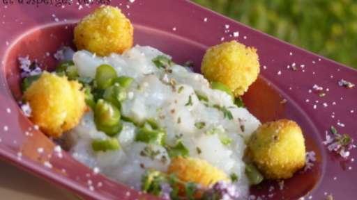 Tartare de cabillaud et asperges vertes aux billes de Valençay panées