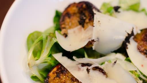 Salade de mâche, de figues rôties et de tête de moine