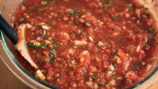 Salsa criolla. sauce créole pour barbecue et plancha
