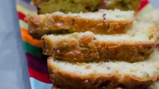 Cake au céleri branche, au bacon et à l'emmental