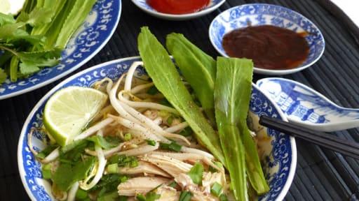Soupe de nouilles de riz au poulet