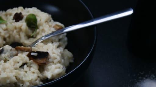 Risotto aux champignons, chèvre et noix de pécan