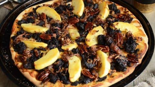 Pizza au boudin noir et aux pommes