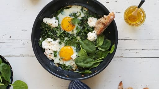 Oeufs au plat, kale et ricotta