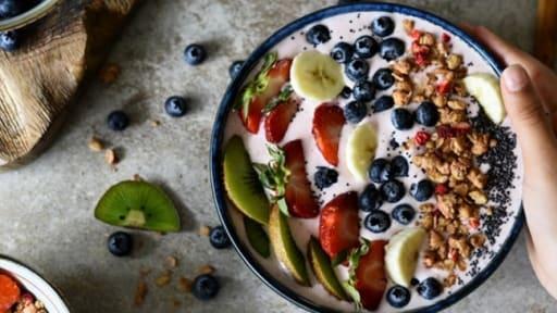 Smoothie bowl fraises banane