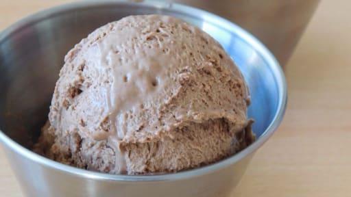 Glace au chocolat noir sans sorbetière