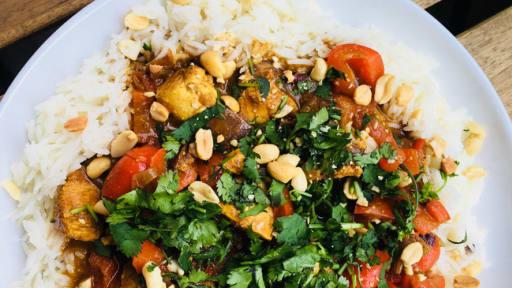 Curry Doux De Poulet Au Beurre De Cacahuetes Recette Par United