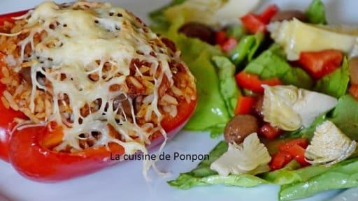 Poivron farci au riz blanc et thon à la sauce provençale