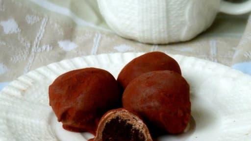 Truffes fondantes et craquantes chocolat noir et lait