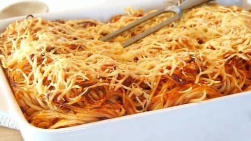 Gratin de spaghetti à la bolognaise