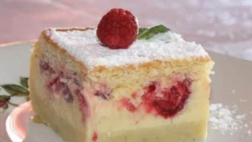 Gâteau magique à la vanille framboises