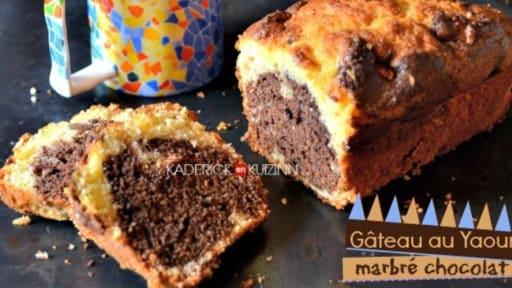Gateau Au Yaourt Marbre Chocolat Vanille Et Noix Recette Par Kaderick