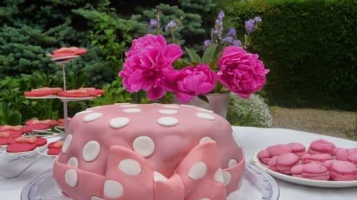 Gâteau Danniversaire Red Velvet Minnie Mouse Recette Par Luly Cooker