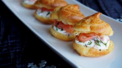 Petits choux au saumon fumé et fromage frais
